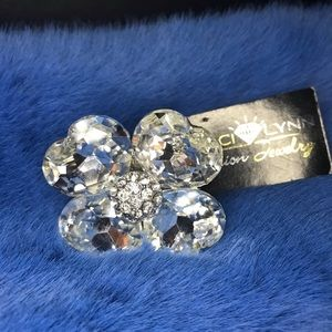 Traci Lynn Silver Crystal Flower Ring OS